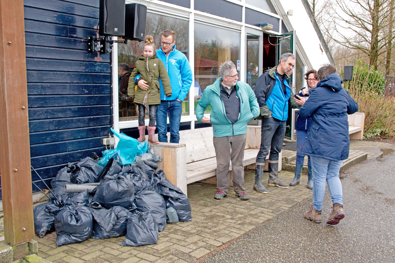 Vrijwilligers helpen mee tijdens NLdoet 2019